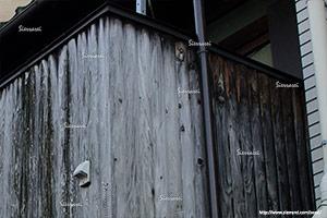 写真素材、塀、汚れ、雨ジミ、雨汚れ