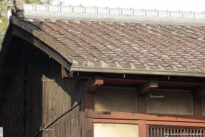 木造建築の窓、屋根