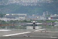 着陸シーン(大阪国際空港・伊丹空港)
