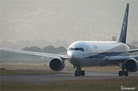 大阪国際空港(伊丹空港):ANA JA601A離陸シーン