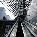 京都 駅ビル 東広場から空中径路へ行くエスカレーター